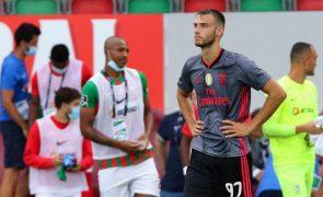 Benfica cede português Ferro ao Valência até final da época