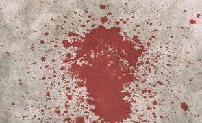Vítima escreve nome do assassino com o próprio sangue antes de morrer