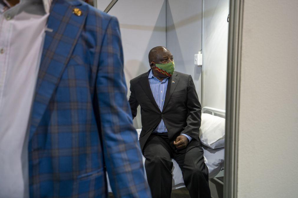 Covid-19: África do Sul anuncia mais 30 milhões de doses da vacina contra o novo coronavírus