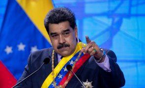 Maduro chama mesquinho a Bolsonaro e anuncia envio permanente de oxigénio para Manaus