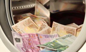 Comissão Europeia insta Portugal a «fazer mais» no combate à corrupção
