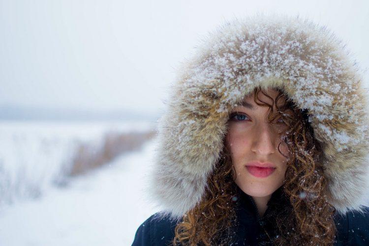 O frio fica lá fora! Aprenda a tratar da sua pele durante os meses de inverno