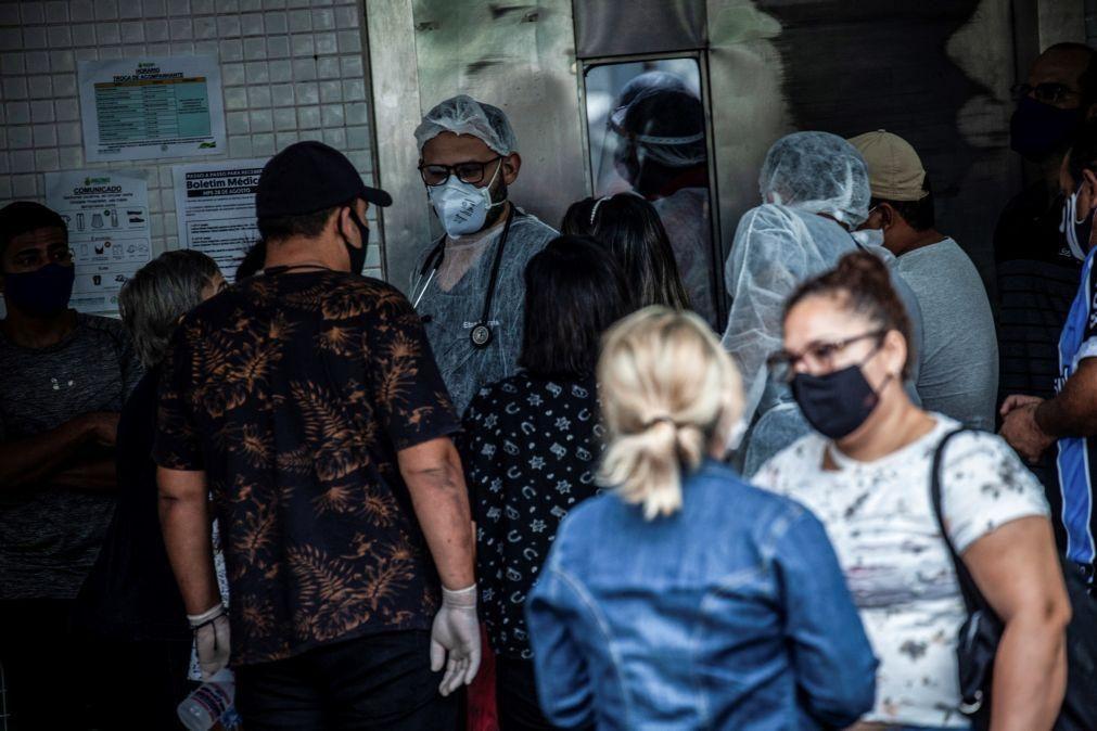 Covid-19: Brasil volta a somar mais de mil mortes e regista 54.096 casos em 24 horas