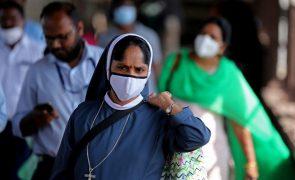 Covid-19: Índia com 110 mortes e 11 mil novos casos