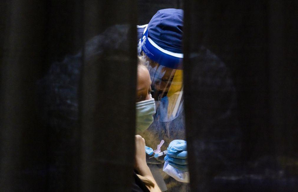 Diretores clínico e de enfermagem do Hospital da Cruz Vermelha colocam lugares à disposição
