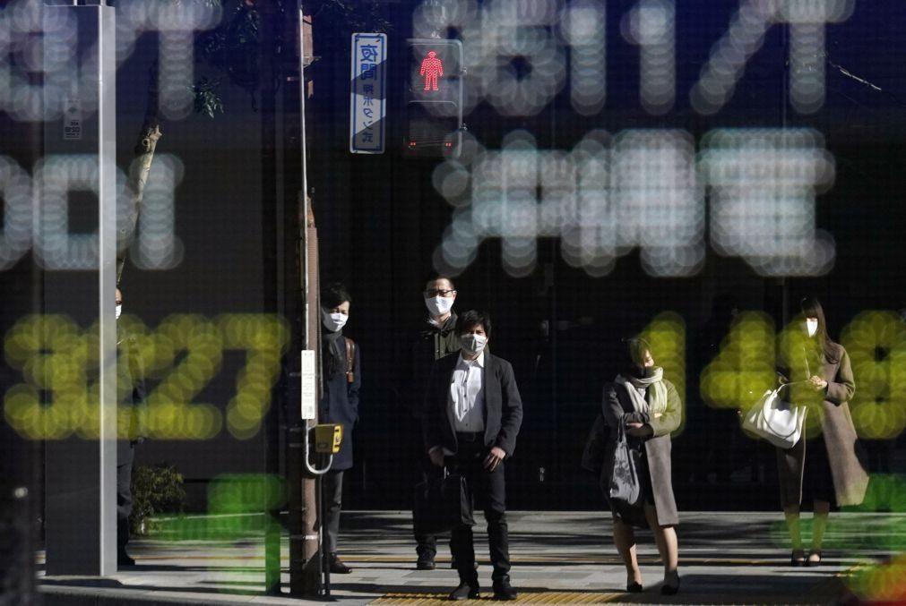Bolsa de Tóquio fecha a perder 1,06%