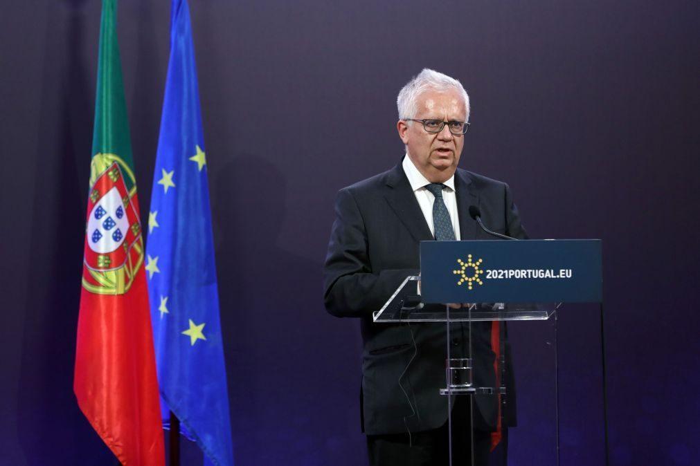 UE/Presidência: Cabrita disponível para visitar campos de asilo