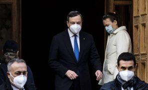 Draghi consulta partidos, Berlusconi apoia e Conte pede um Governo político