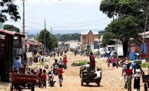 Viatura impedida de entregar mantimentos a deputados da UNITA retidos no Cafunfo