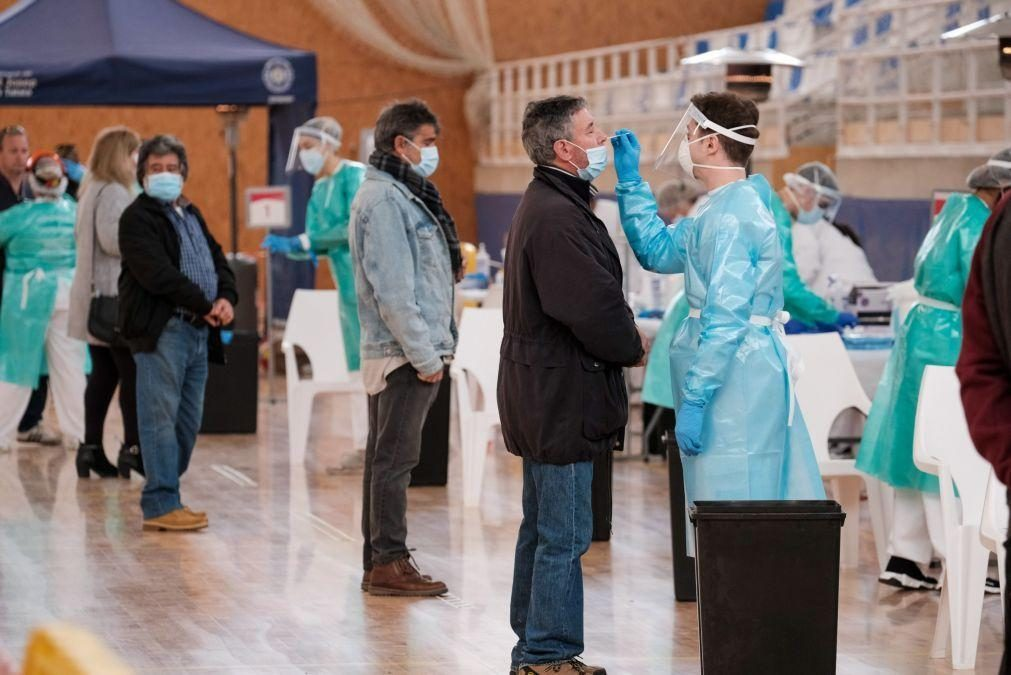 Covid-19: Espanha tem hoje quase 30.000 novos casos e 432 mortes