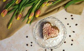 Conquistados pelo estômago. Estes restaurantes entregam menus de Dia dos Namorados em casa