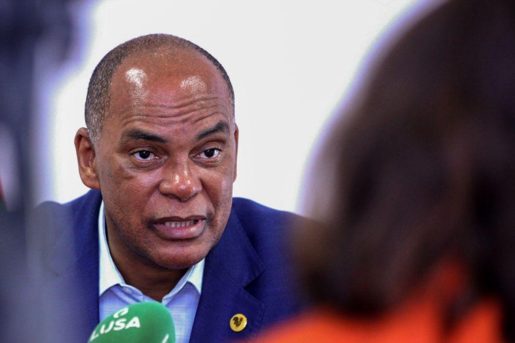 Angola/Cafunfo: Líder da UNITA diz que retenção de deputados é