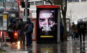 Covid-19: Reino Unido regista 1.014 mortes mas pandemia está a recuar