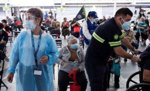 Covid-19: Chile vacina mais de 550 mil pessoas em três dias