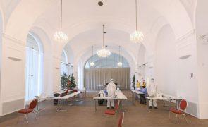Covid-19: Áustria com 165 casos da variante detetada originalmente na África do Sul