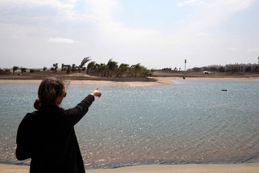 Sonho italiano de 20 anos leva primeiro campo de golfe relvado a Cabo Verde