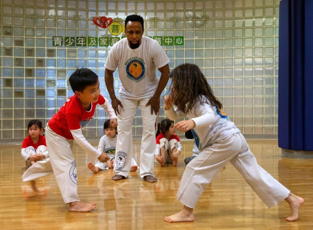 Brasileiro Eddy Murphy forma campeões de capoeira em Macau e aproveita para ensinar português