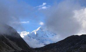Colapso de glaciar nos Himalaias faz pelo menos três mortos e 150 desaparecidos