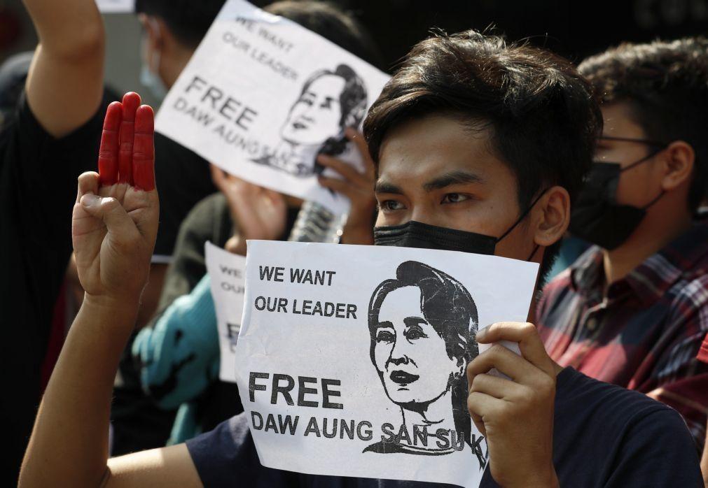 Myanmar: Papa pede que se trabalhe por uma coexistência democrática