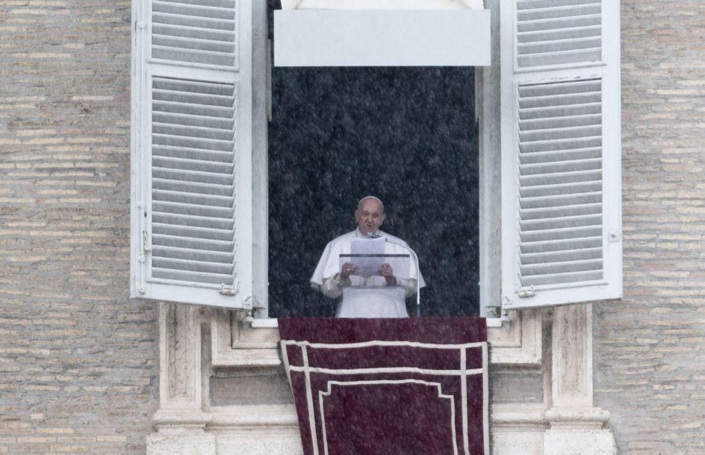 Papa pede corredores humanitários para menores migrantes desacompanhados