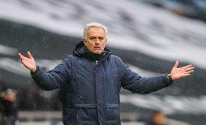 Mourinho regressa aos triunfos na receção do Tottenham ao West Bromwich