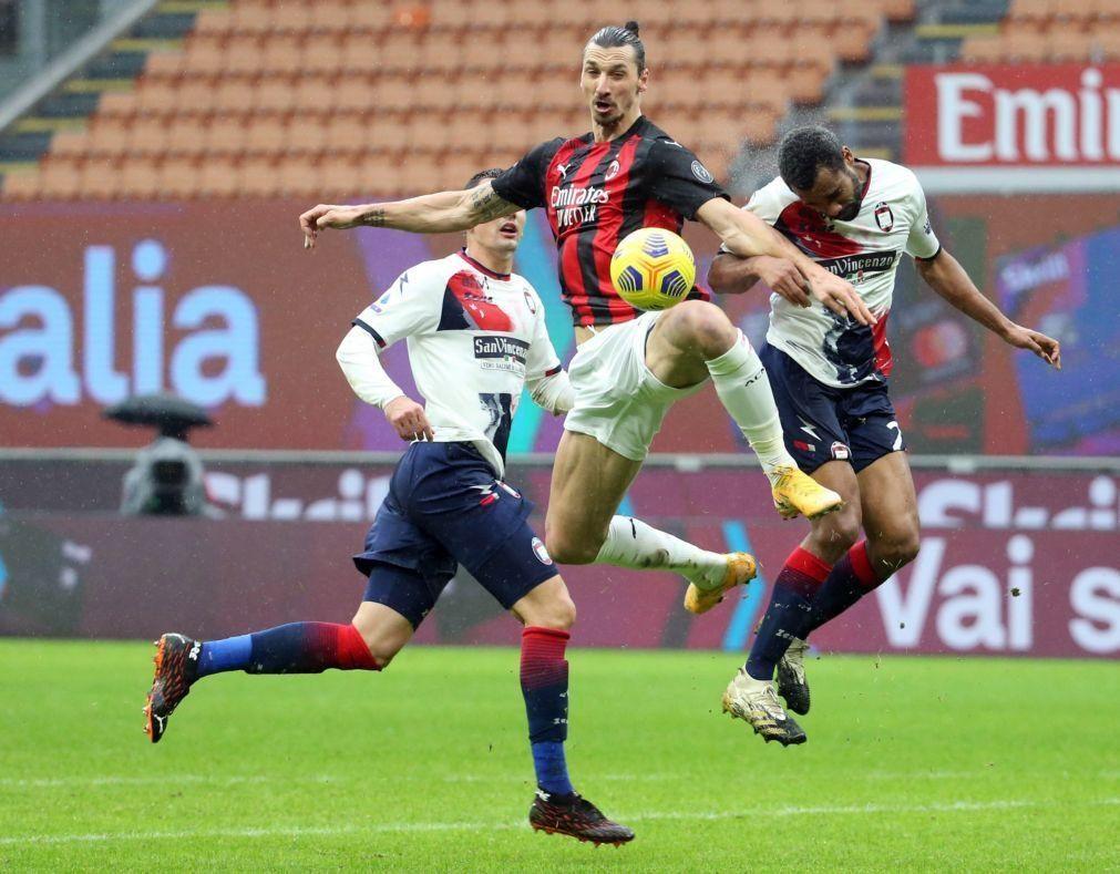 Golo 500 de Ibrahimovic abre caminho à goleada do AC Milan frente ao Crotone