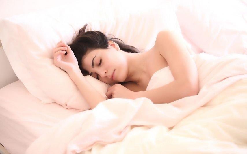 Quatro erros alimentares que impedem de ter uma boa noite de sono