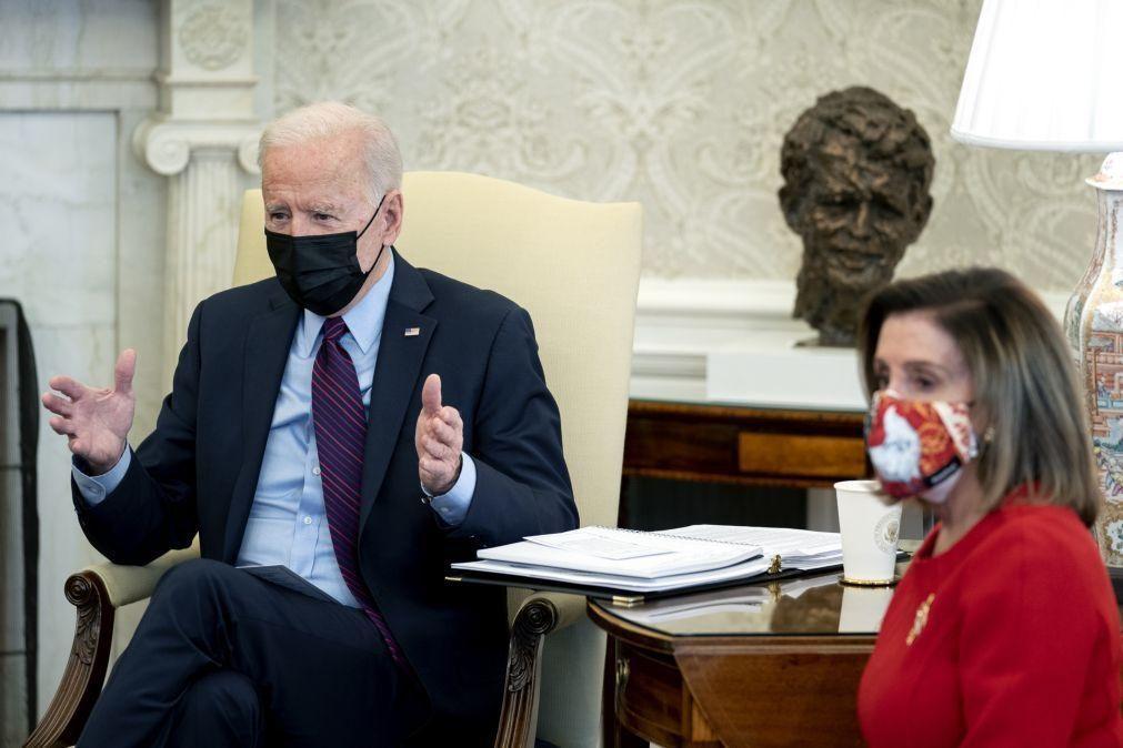 Biden diz que EUA manterão sanções ao Irão se acordo nuclear não for cumprido