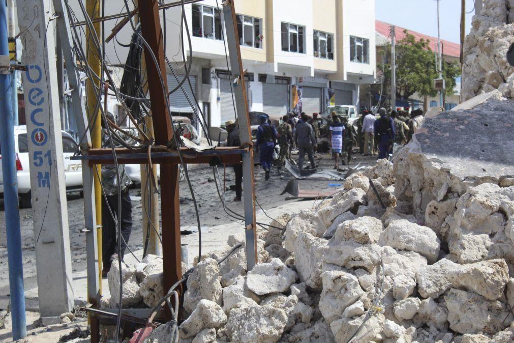 Explosão mata oito soldados somalis em atentado reivindicado pelos Al-Shabab