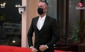 Cláudio Ramos entra na casa e revela que prémios finais aumentam