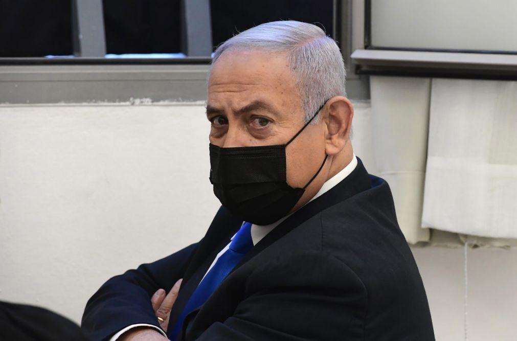 Netanyahu reclama inocência na retoma do seu julgamento por corrupção