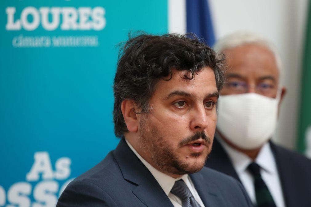 Presidente da Câmara Municipal de Loures apreensivo com o atraso da vacinação
