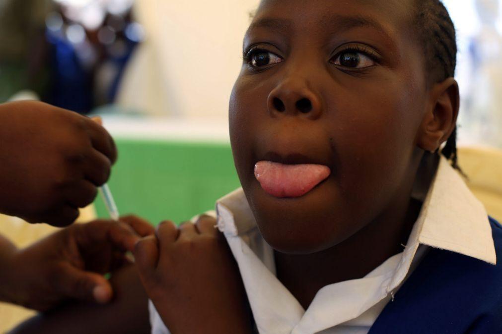 Vacinação contra vírus do papiloma humano em Cabo Verde chega a 4.900 meninas de 10 anos