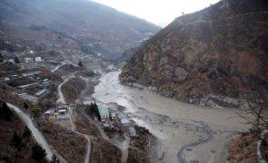 Sobe para 26 o número de mortos após derrocada de glaciar na Índia