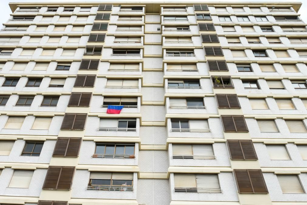 Concurso para desconstrução do prédio Coutinho em Viana lançado na terça-feira