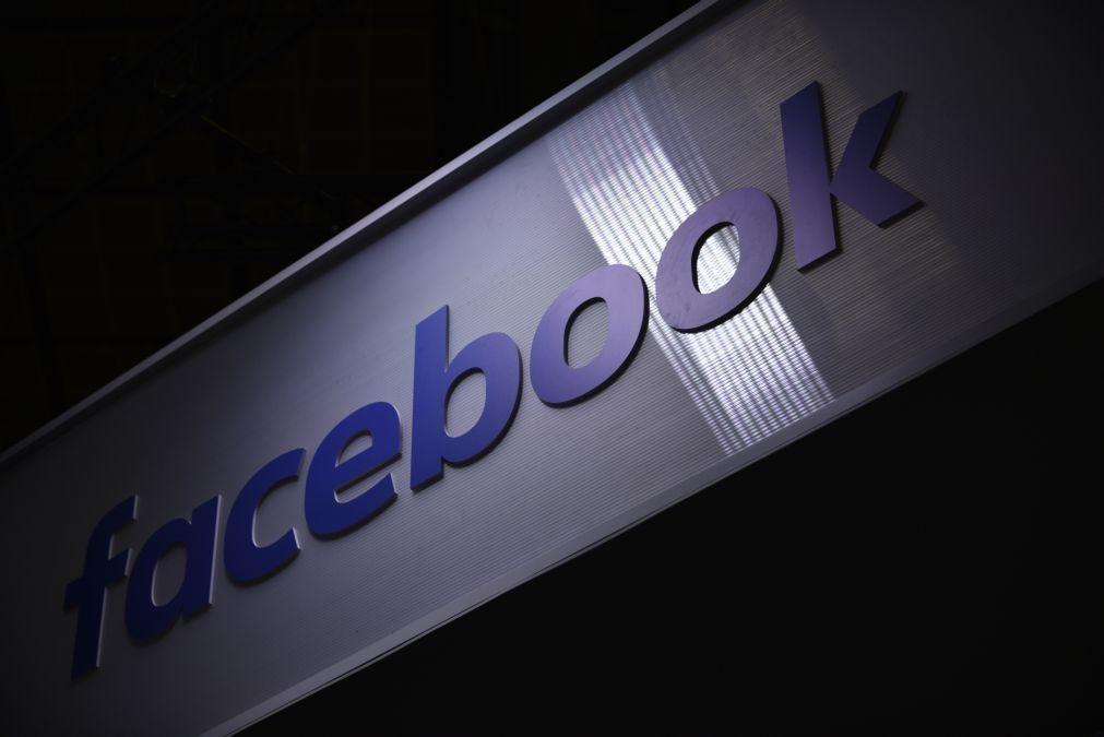 Covid-19: Facebook aumenta esforços para remover alegações falsas sobre epidemia e vacinas