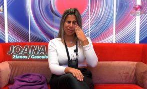 Joana chorou com receio pela saúde da mãe, que já foi parar ao hospital