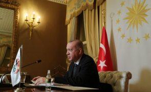 UE/Presidência: Turquia garante disponibilidade para cimeira com os 27 em março