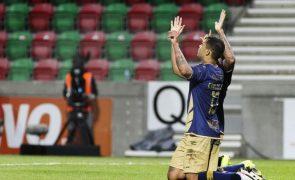Santa Clara dá a volta ao resultado e vence Marítimo