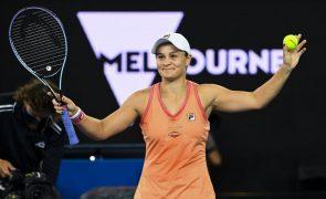 Ashleigh Barty demolidora segue para a segunda ronda do Open da Austrália