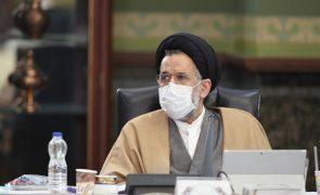 Irão pode tentar obter arma nuclear, adverte ministro
