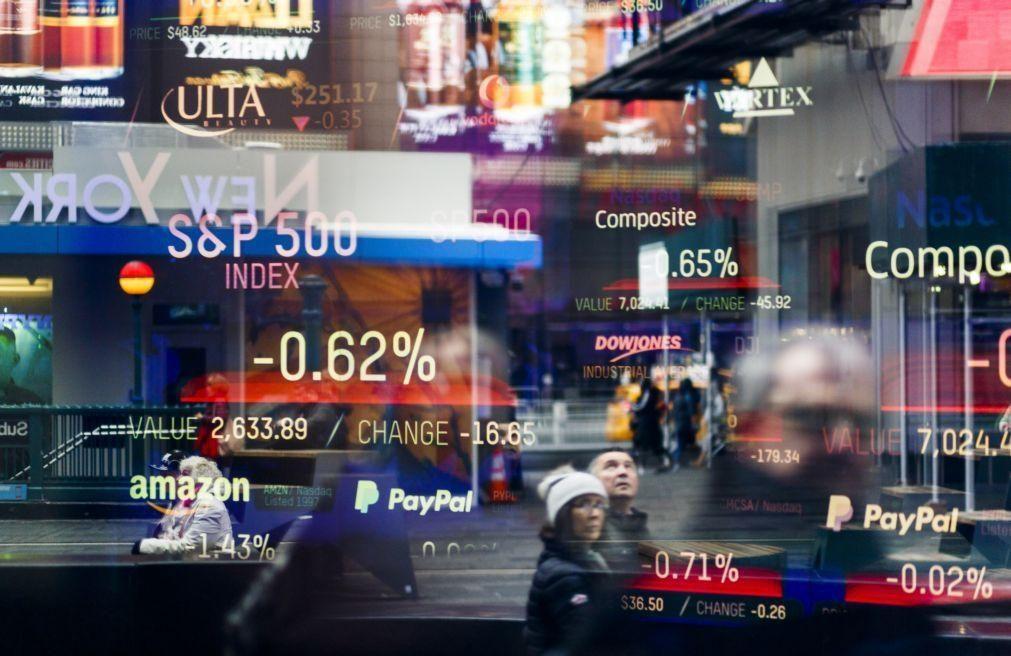 Wall Street inicia sessão sem uma tendência definida após novos máximos