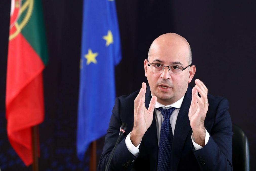 Covid-19: Governo vai rever défice em alta e alterar cenário para 2021