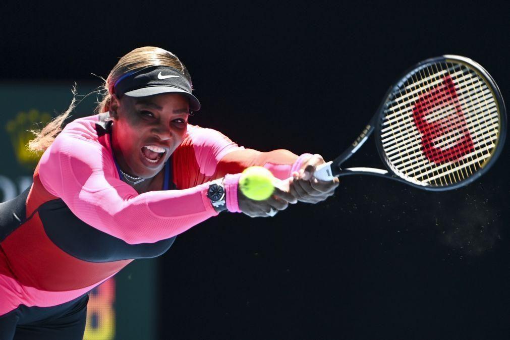 Serena Williams vence Nina Stojanovic e segue para a terceira ronda do Open da Austrália