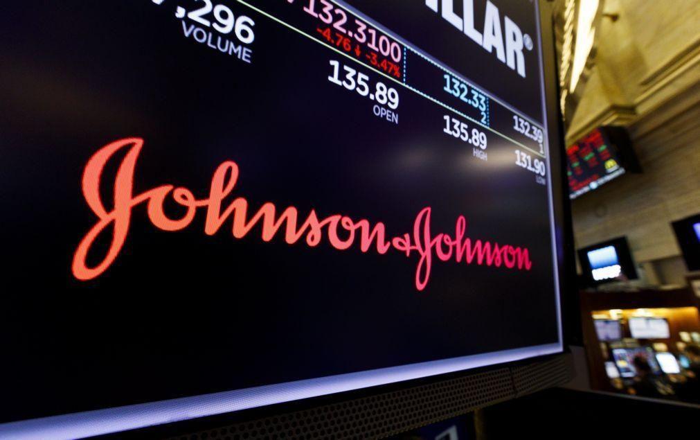 Covid-19: África do Sul dará vacina Johnson & Johnson a profissionais de saúde