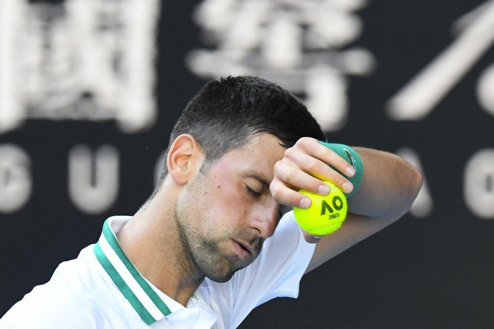 Djokovic bateTiafoe em