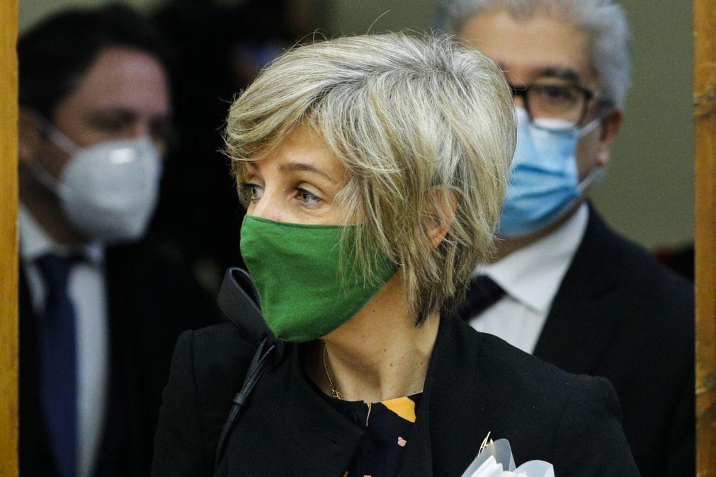 Covid-19: Ministra da Saúde defende testagem massiva e pondera testes gratuitos