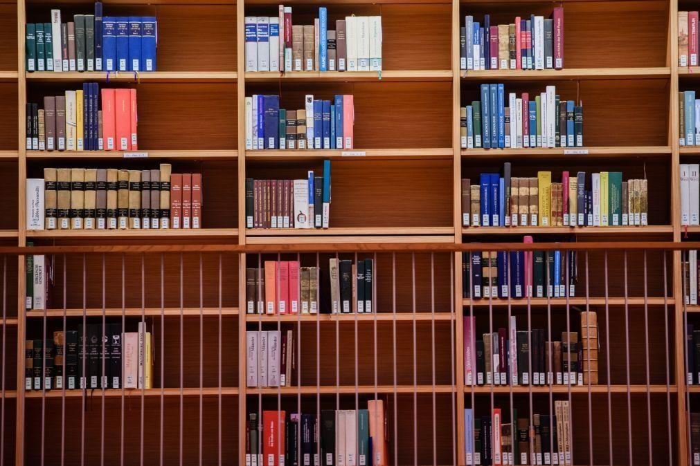 Covid-19: Projeto do PR permite venda de livros e materiais escolares