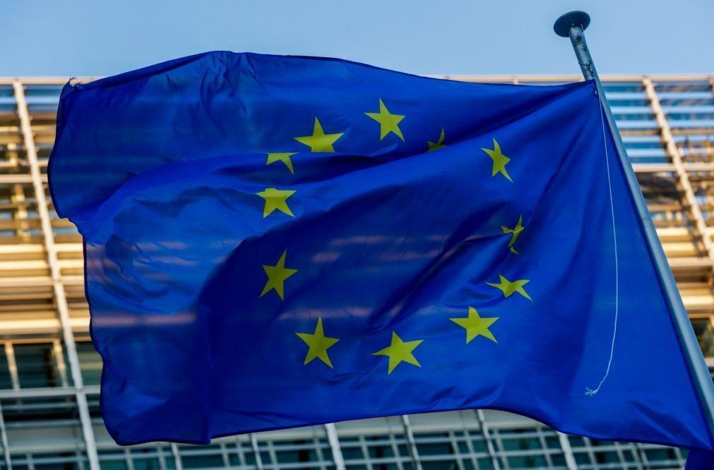 Bruxelas atualiza hoje previsões macroeconómicas com pandemia a atrasar recuperação