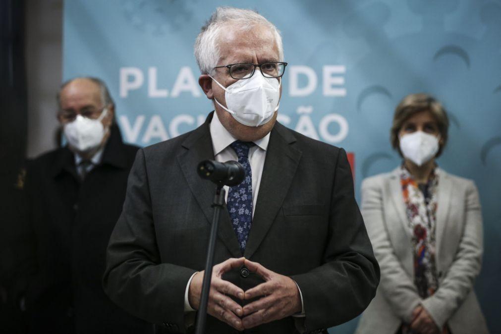 Governo diz que vacinação em bombeiros dará mais confiança no socorro às populações